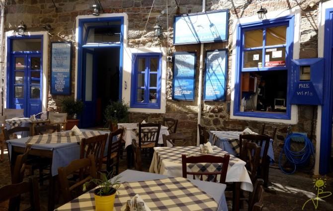 I tawerny jak np. ta - Le Grand Bleu (Molivos)